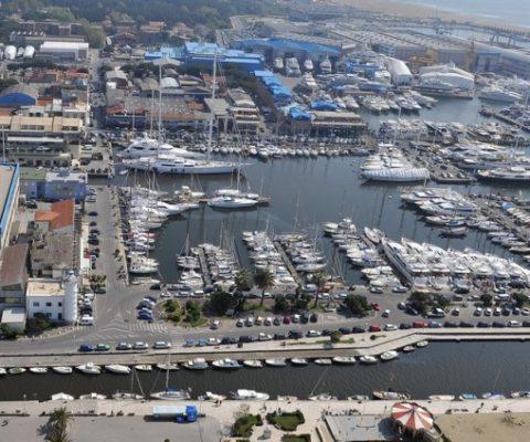 Visita al distretto della nautica toscana